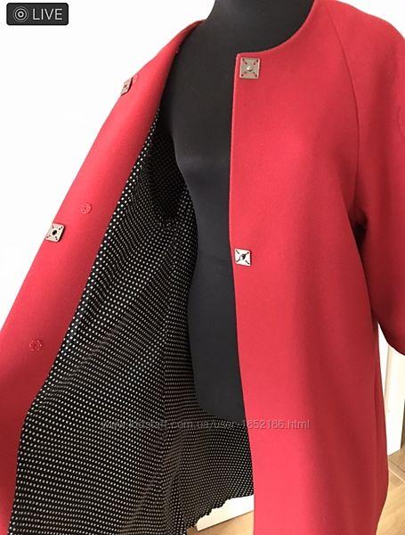 Пальто кашемир красное