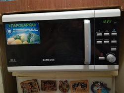 Элегантная стильная микроволновая печь SAMSUNG. СВЧ. Микроволновка.