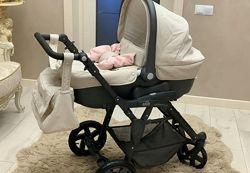 Красивая коляска для ребенка