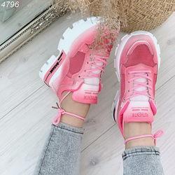 Cтильные кроссовки