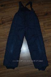 Теплые брюки-комбинезон мальчишке 116-122рост