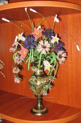 Композиция цветов из бисера ручной работы