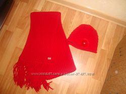 Шикарный комплект шапочка с шарфиком.