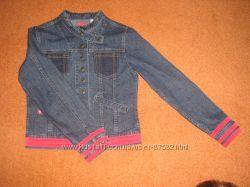 стильная джинсовая курточка.