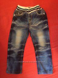 Стильные джинсики для мальчика, длина 55 см, шаг 35 см, состояние новых