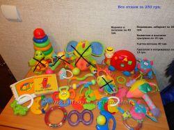 Много наших фирменных игрушек, распродажа