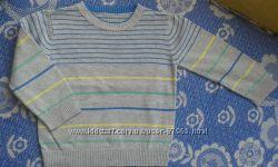 Продам фирменный свитерок мальчику на весну-осень 3-4года