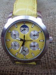Стильные часы Ferrari отличный подарок, цены старые.